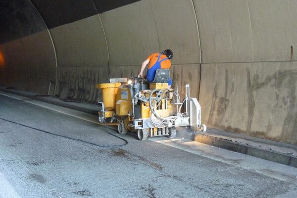 Leitsysteme Tunnel und Straßen (3)